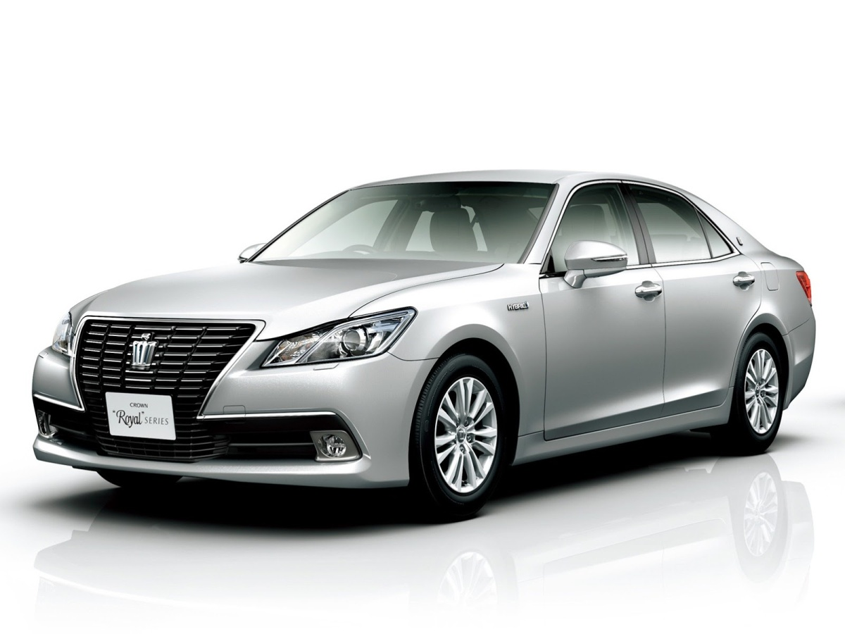2013-Toyota-Crown-Royal-12[6]