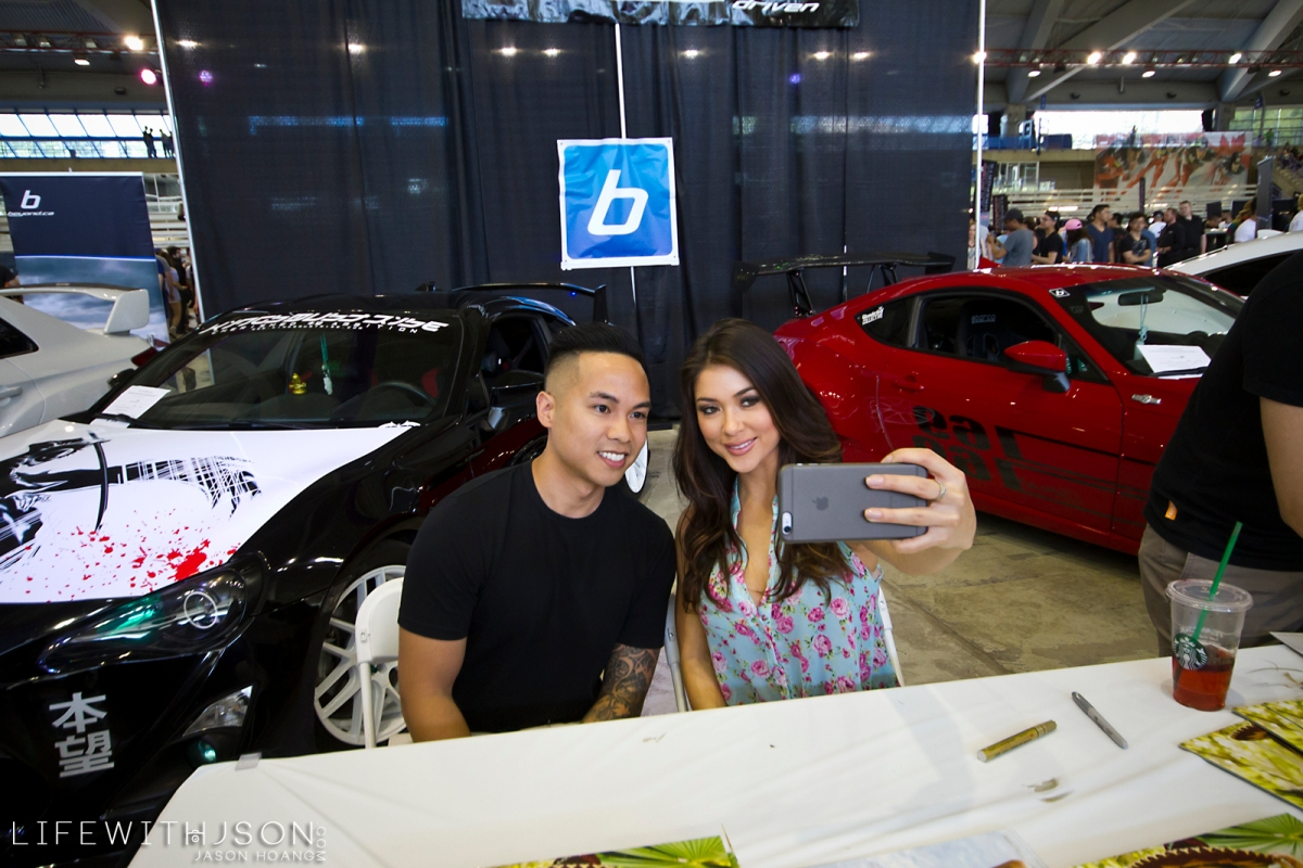 That time Arianny Celeste was taking selfies with me.